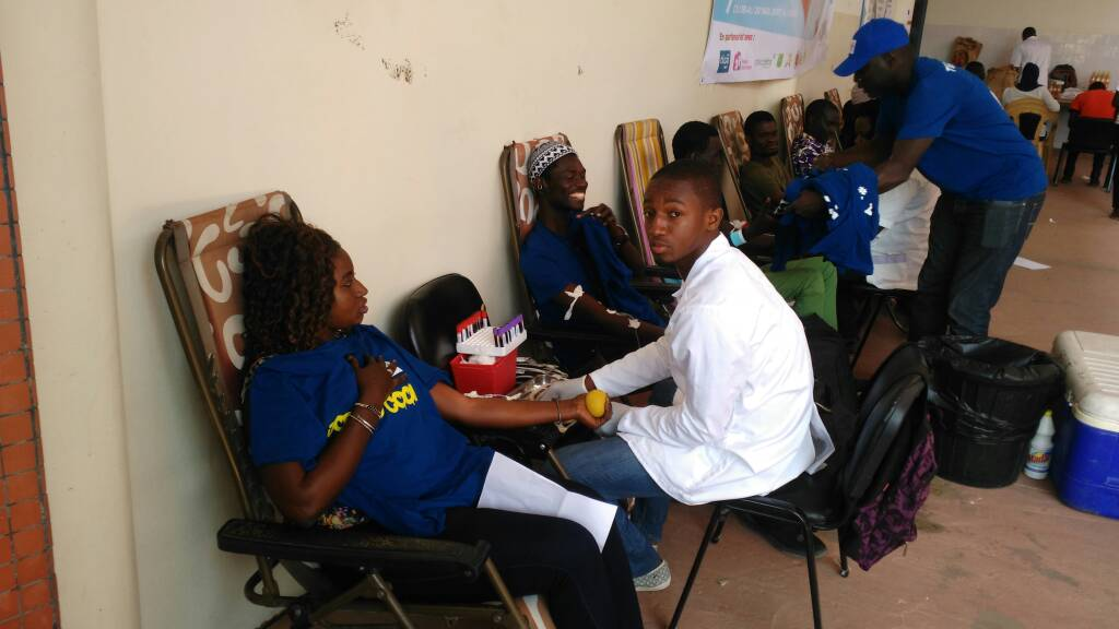 Photos dons de sang Hope & Tigo-min